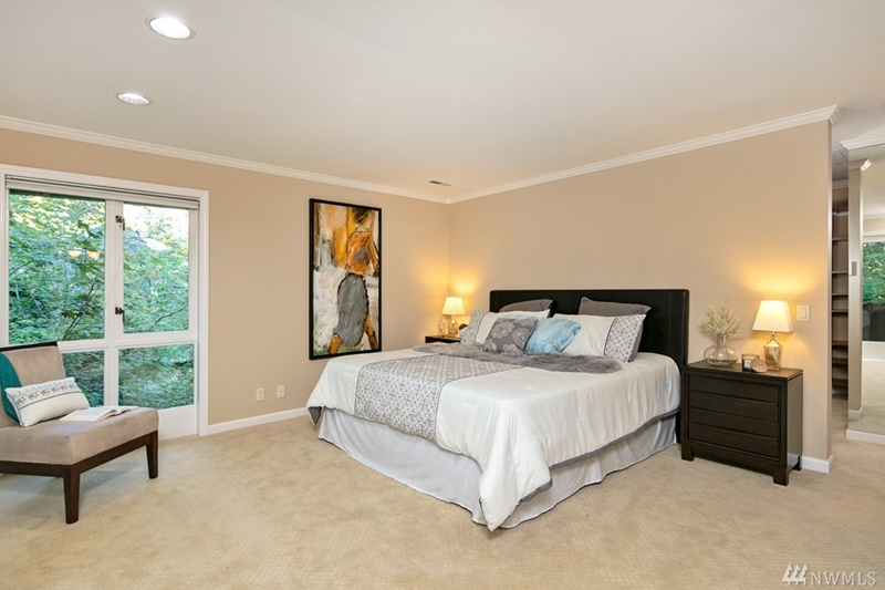 Staged bedrooms 28 images home staging bellevue for Furniture rental seattle